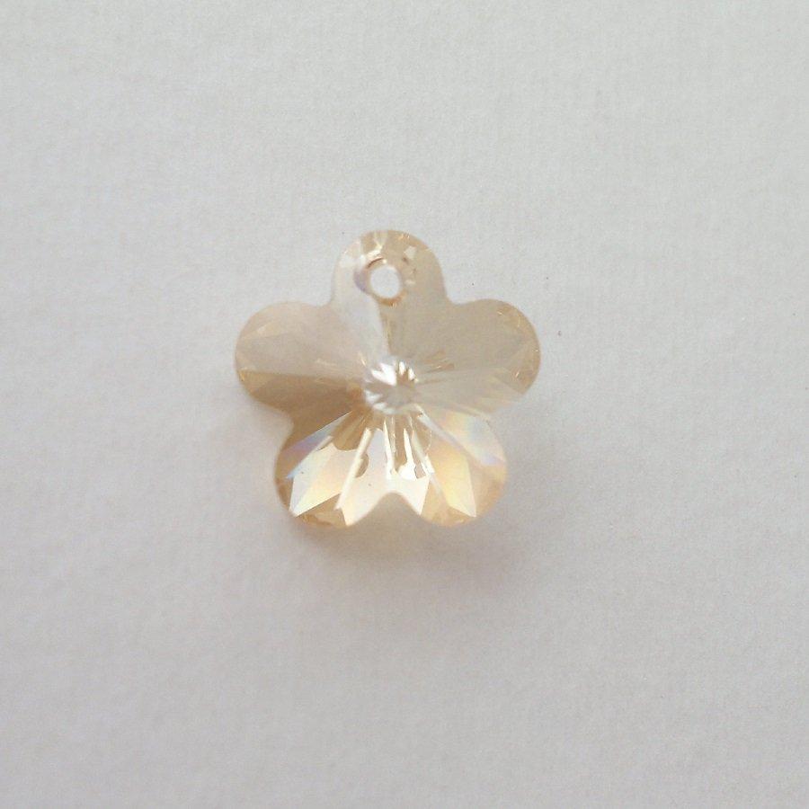 Přívěsek kytička Swarovski 14 mm, crystal golden shadow