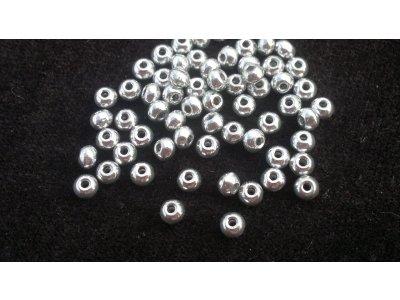 Velkodírkové, mačkané korálky 4 mm - stříbrný
