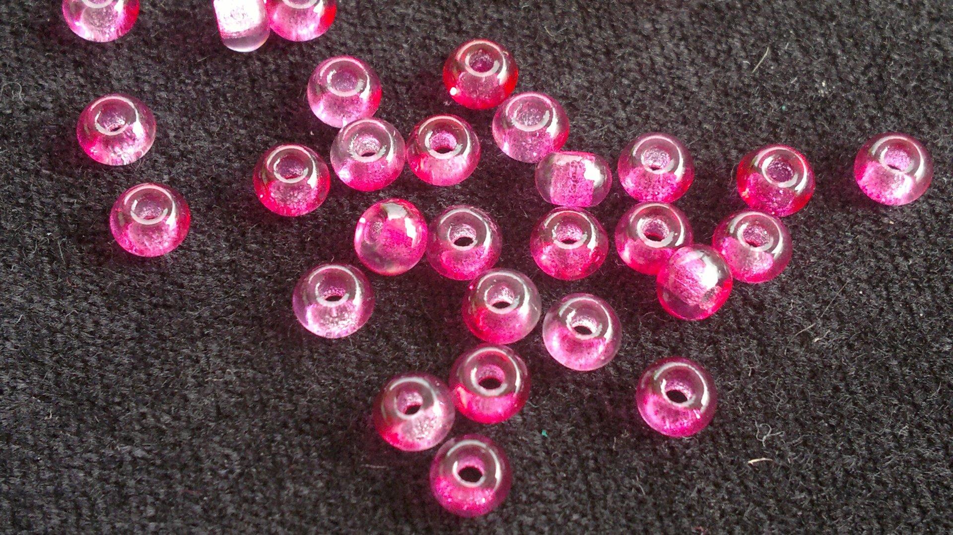 Velkodírkové, mačkané korálky 5 mm - růžové s průtahem