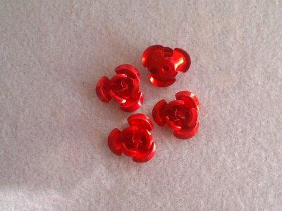 Hliníková růžička 12x7 mm, červená
