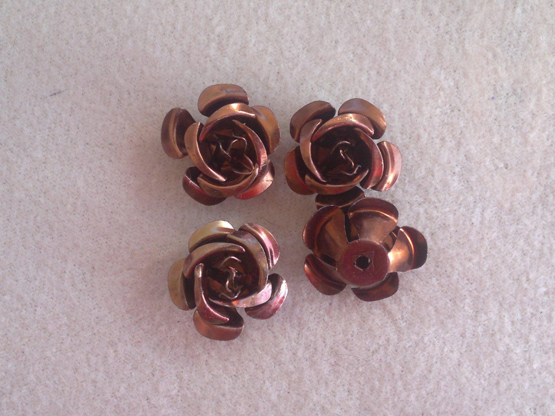 Hliníková růžička 17x9 mm, hnědá