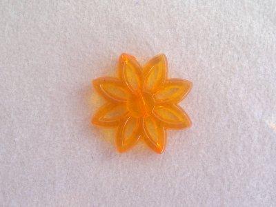 Plastová kytka, pr. 31 mm, oranžová