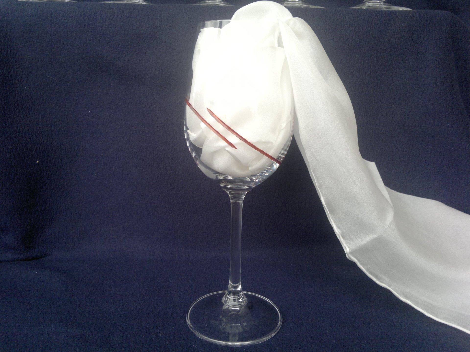 Ručně broušená a malovaná sklenice - hnědá