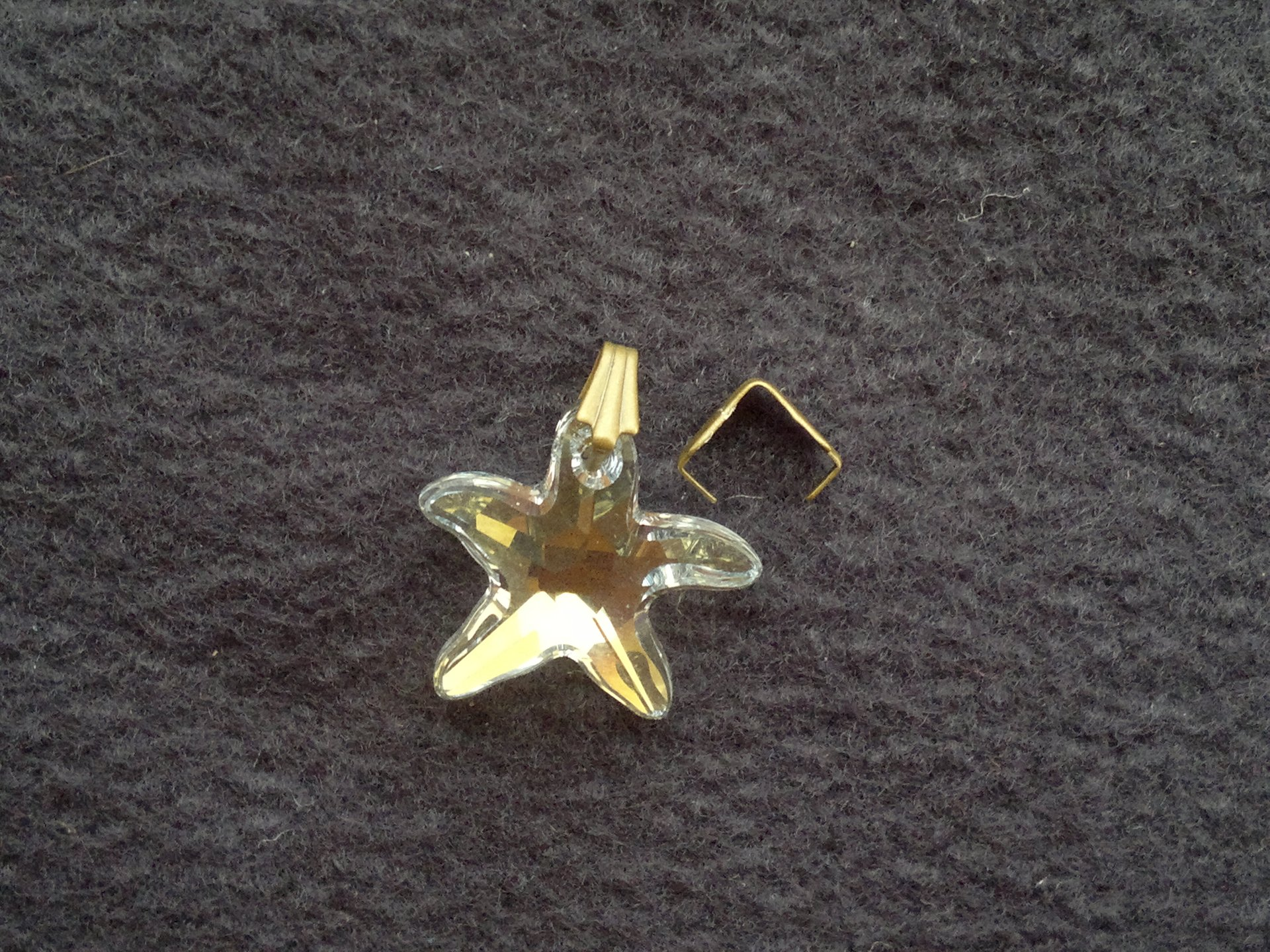 Šlupna jednoduchá, starozlatá kov 8 mm 3 mm starozlatá