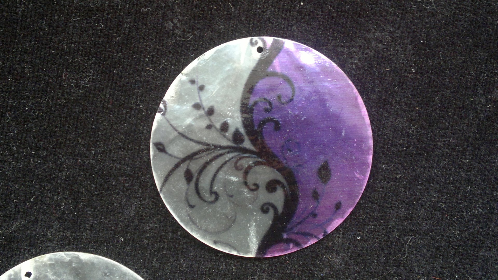 Slída 50 mm - motiv 4 perleť 50 mm 1,2 mm bílá/fialová/černá