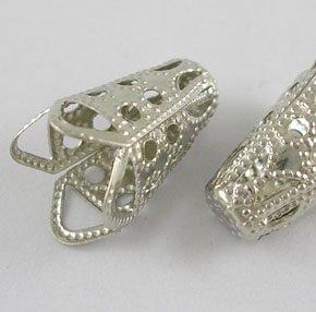 Kaplíky, děrované sukýnky 10×17,5 mm, platinové