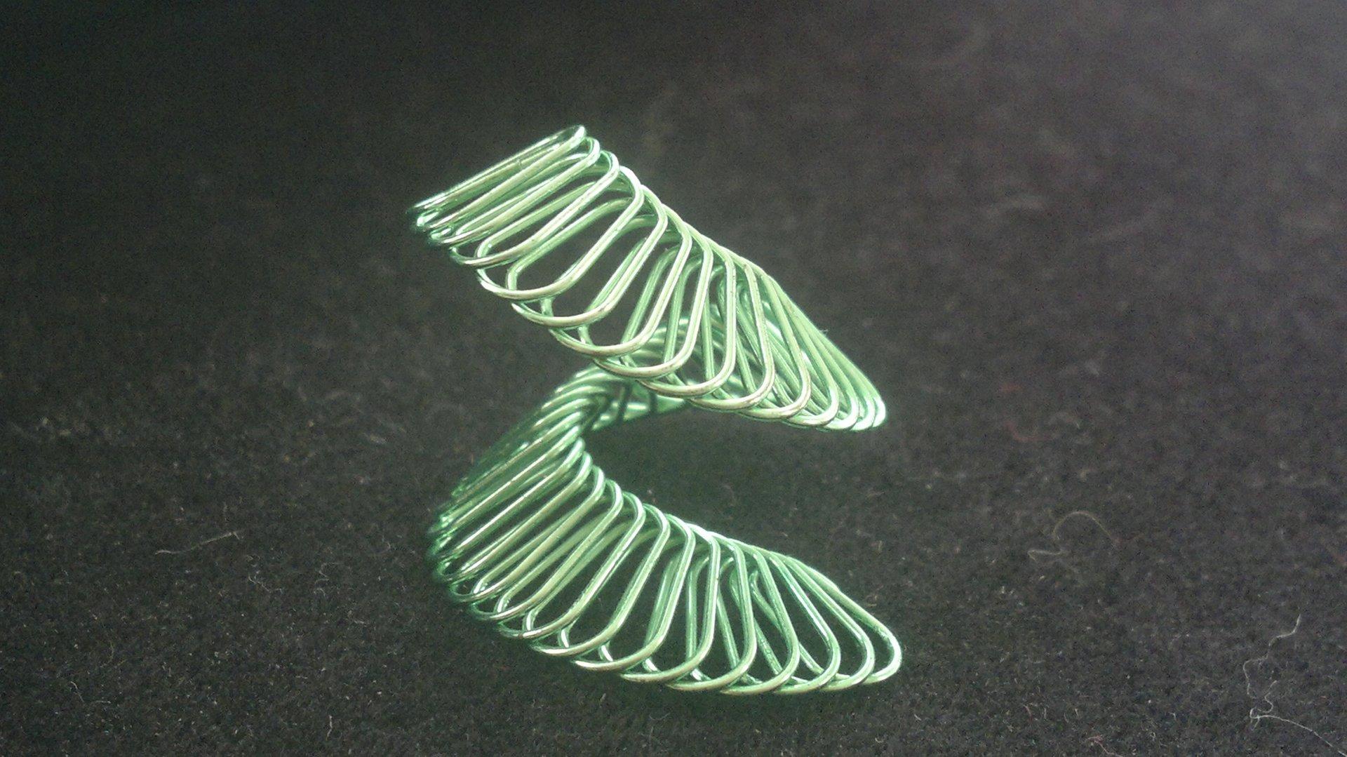 Spirála zelená - řidčí zelená bronz