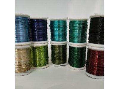 Měděný drátek 0,5 mm, cca 6,5 m, více barev