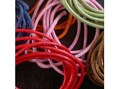 Voskovaná šňůra (bavlna) 2 mm, více barev