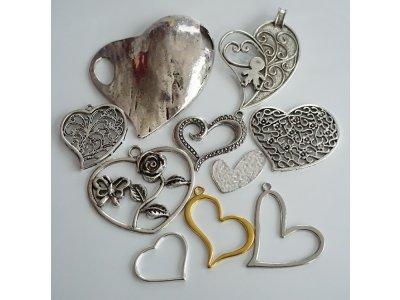 Kovové srdce větší. různé